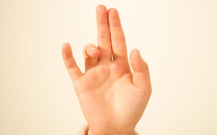 Placement des doigts des doigts pour nadi shodana