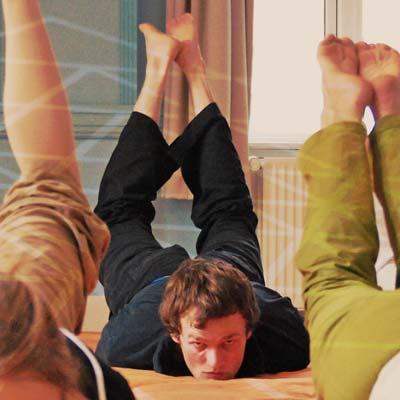 La sauterelle - yoga asana