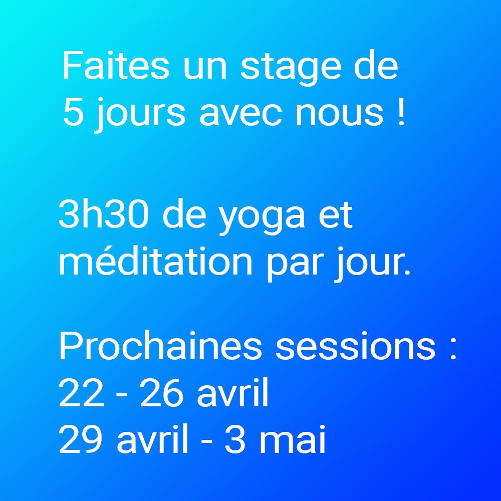 Bannière stage de yoga de 5 jours.